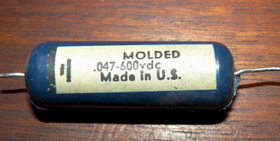 Fender_Bandmaster_MoldedCap